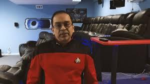 Star Trek fan builds a home theater